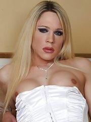 Karla Coxx
