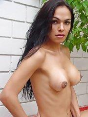 Claudia Moura